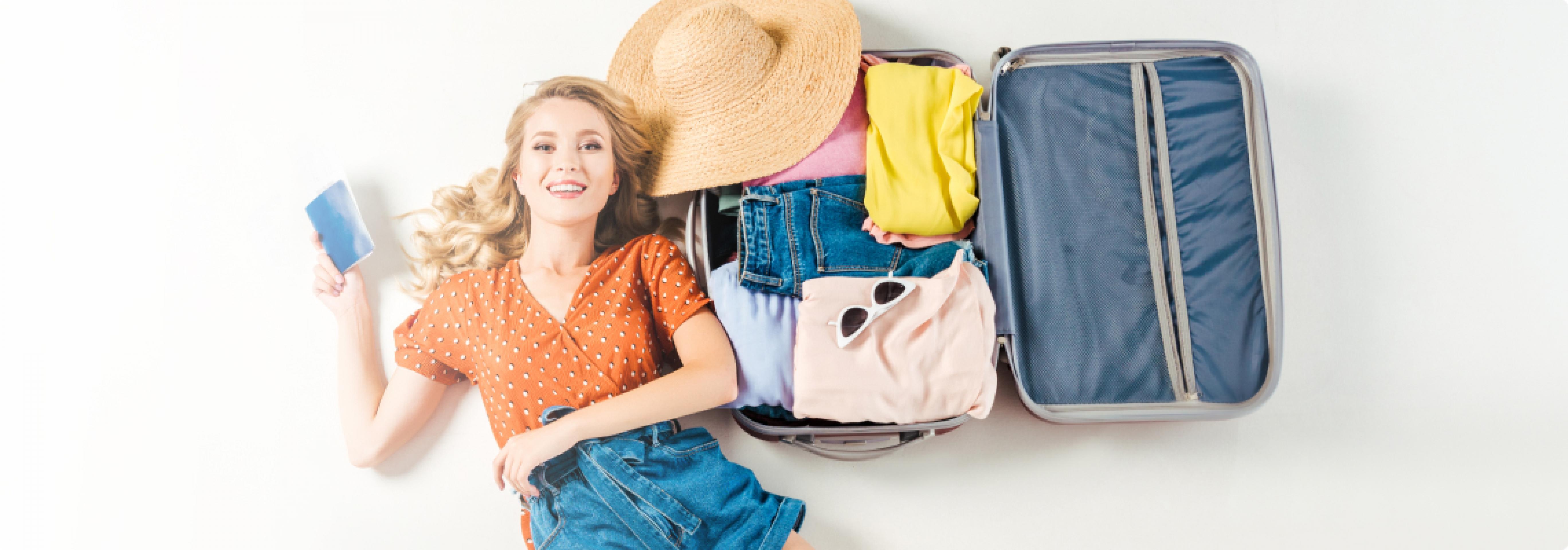 Тревел-косметичка: что взять с собой в отпуск?