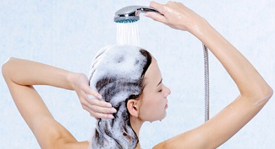 Ассортимент бальзамов и кондиционеров для волос