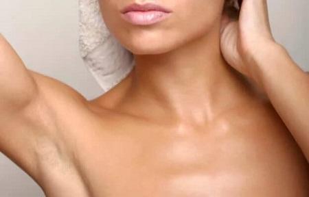 Ассортимент натуральных дезодорантов для мужчин и женщин